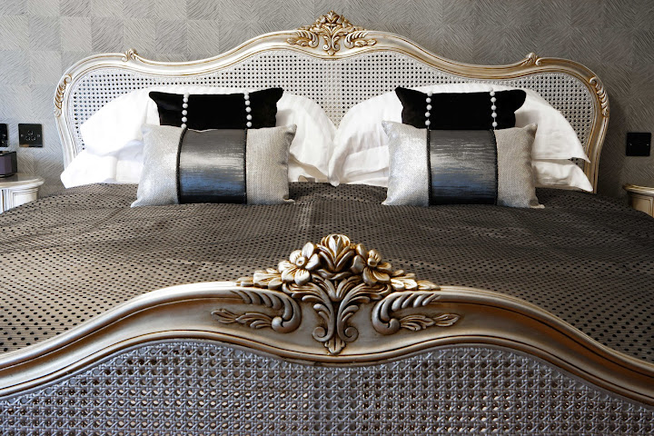 Sleep like royalty at Windermere Suites